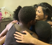 brave-miss-world-linor-at-teddy-bear-clinic-soweto-with-teen-survivors